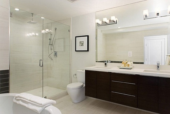 Iluminacion De Un Baño:serie de cuadrados lámparas crea vanidad iluminación en un cuarto de