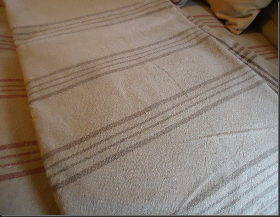 Strpe Blanket