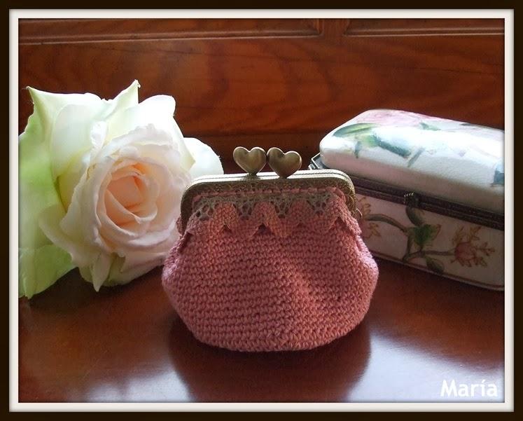 Monedero rosa con boquilla-1