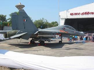 Русская происхождения Су-30МКИ истребителя пролетели ВВС Индии на Красной упражнения флага в США и упражнения Indradhanush с Великобританией