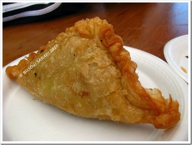 CURRY PUFF FROM THAI WI-RAT © BUSOG! SARAP! 2010