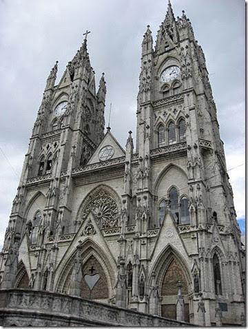 450px-Basilica_del_Voto_Nacional