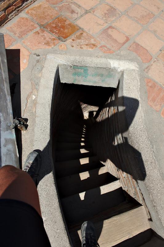 Cea mai ingusta spirala de scari pe care am urcat pana acum.