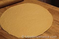 pumpkin-knot-yeast-rolls_1601_thumb[4]