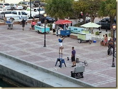 20140315_street performer (Small)