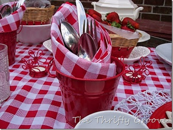 red & white lunch 034
