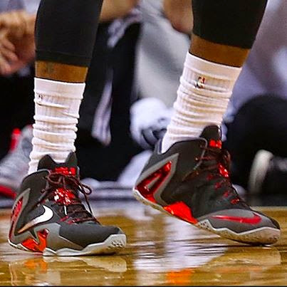King James Sticks With LeBron 11 Elite with New Heat Away PE