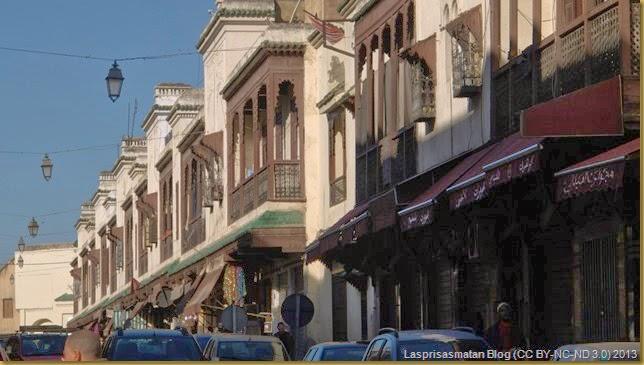 Viejas casas señoriales con balconadas muy elaboradas