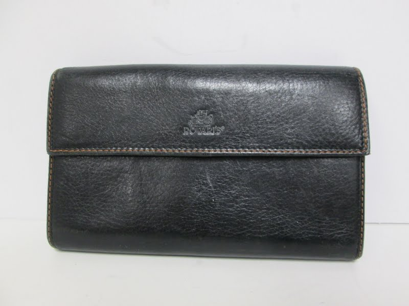 Rovari's Leather Wallet