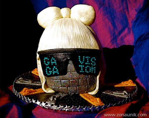 Model Kue ulang tahun berbentuk Ladi gaga