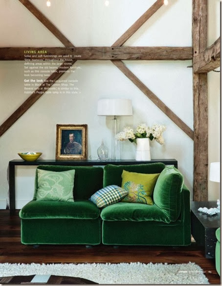 Living-room-with-emerald-green-velvet-sofa.