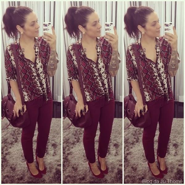look calça burgundy e camisa estampada (2)