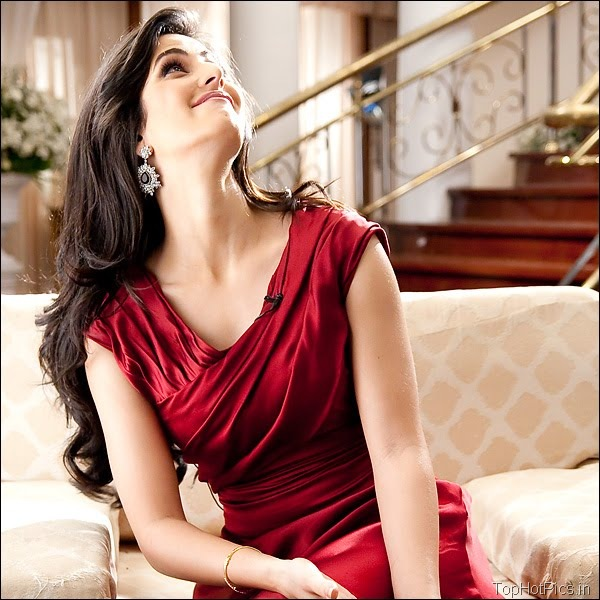 Katrina Kaif Hot Hd Pics in Red Dress 5