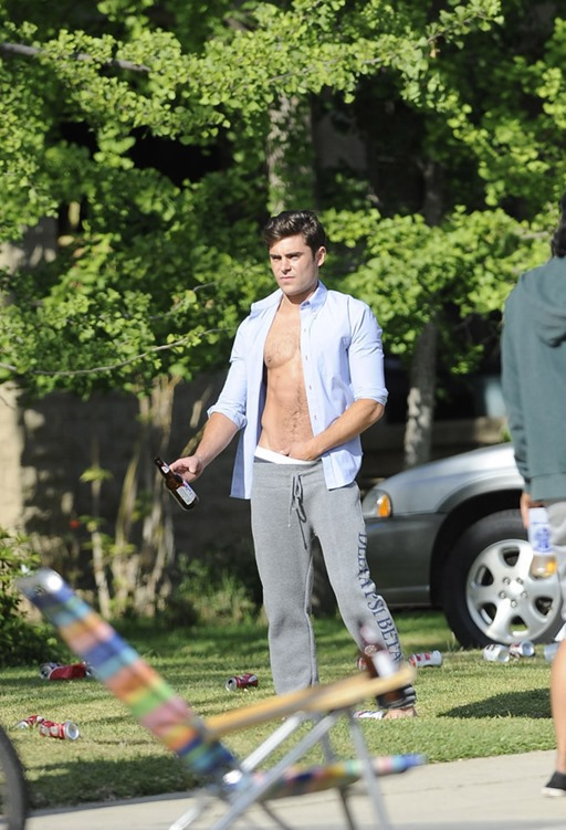 Zac-Efron-Sighting-on-Set-of-Townies-in-LA-02
