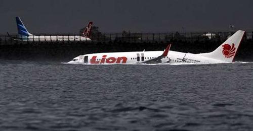 Lion Air jatuh di Bali (3)