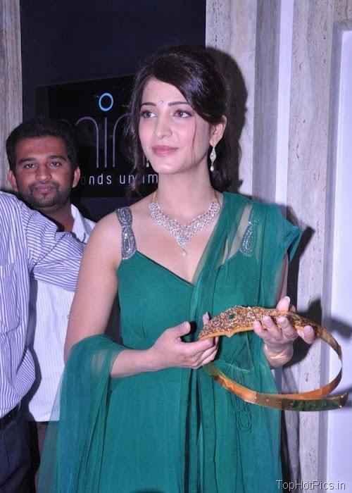 Shruti Hassan Hot Navel Photos 2012 14