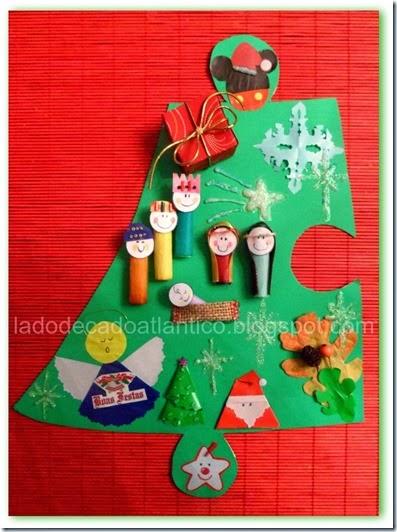 Imagem de uma peça de puzzle com figuras natalícias