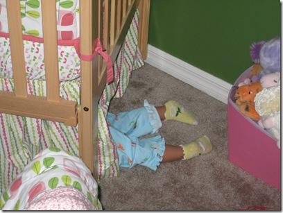 Cori in big girl bed 013