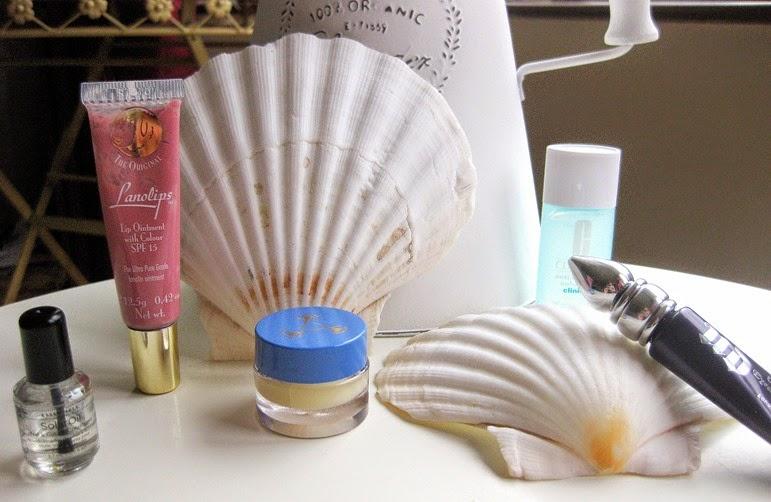 Everyday-beauty-essentials (2)