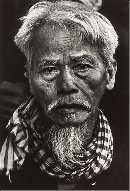 Old Vietnamese man, Tet Offensive, Hué, South Vietnam (February 1968)