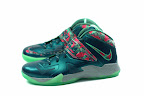 lebrons soldier7 power couple 13 web white The Showcase: Nike Zoom Soldier VII Power Couple (GitD)