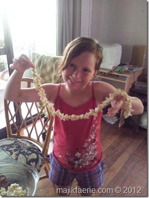 07 popcorn garland