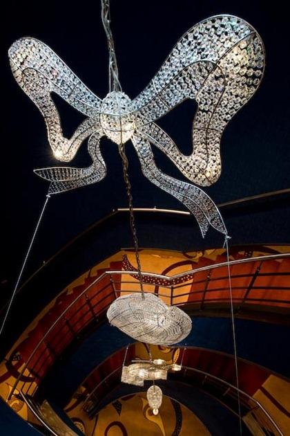 chandelier-art-12