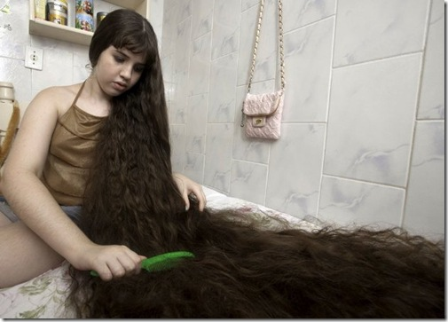 Longest-Hair-Of-12-Year-Old-Brazillian-Girl1