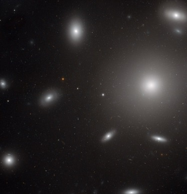 galáxia NGC 4874