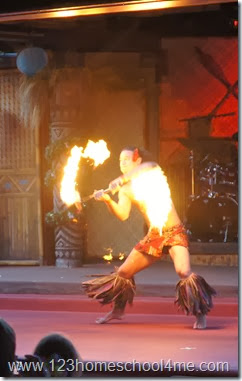 Disney's Polynesian Spirit of Aloha Dinner Show fire dancing
