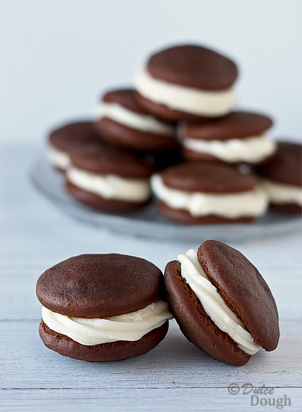 Chocolate Whoopie Pies with Cream Cheese Filling Dulce Dough Recipes