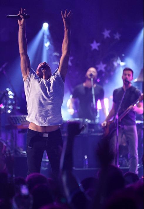 Chris Martin 2014 iHeartRadio Music Festival 2nIrkSPd9uel