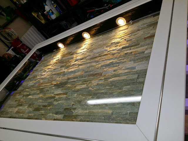 Tutoriel fabrication aquarium mural jour 4 le fond for Aquarium decoratif mural