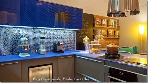 cozinha-decorada-com-pastilhas-azuis-7