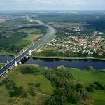 Akwedukt_Magdeburg.jpg - Akwedukt nas Łaba - widok na wschód (zdjęcie skopiowane w celach szkoleniowych z Google Earth)