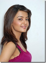Surveen-Chawla-pic_hot2