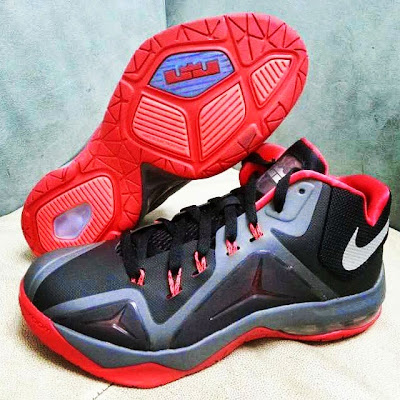 nike air max ambassadot 7 ss black red 1 02 First Look at New LeBron James Sig, Possibly Nike Ambassador 7
