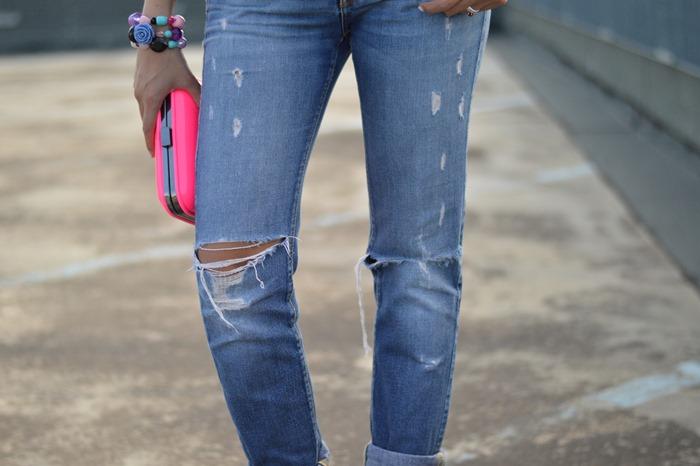 peplum, floral peplum, zara clutch, zara bag, H&M sandals, H&M shoes, neon bag, neon clutch, fluo, fluo bag, oakely sunglasses, occhiali da sole specchiati, occhiali specchiati oakley, miss sixty jeans