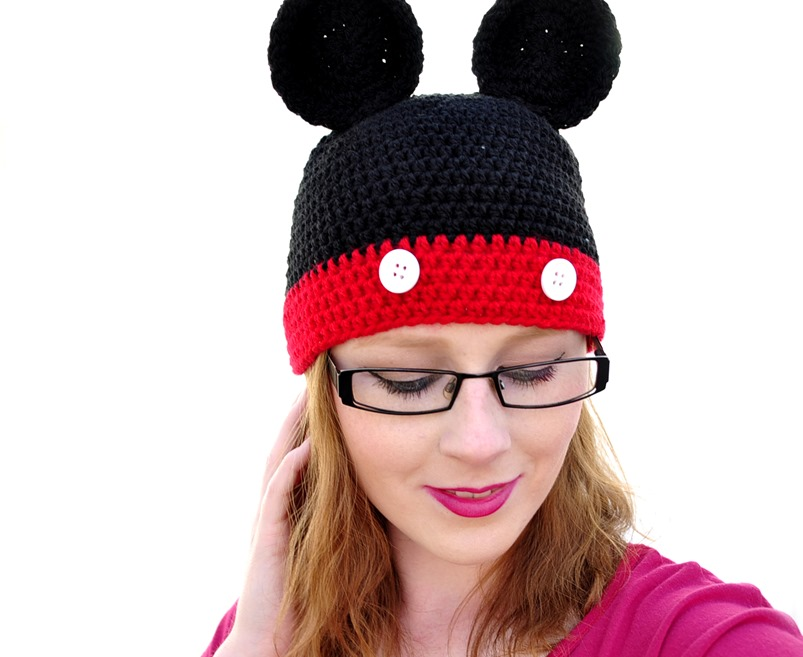 Mickey mouse hat fashion blogger3