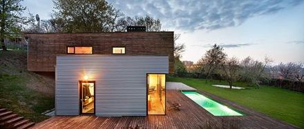 casa-de-fachada-en-madera