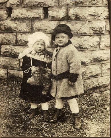 FINK_DorothyandAl_as toddlers