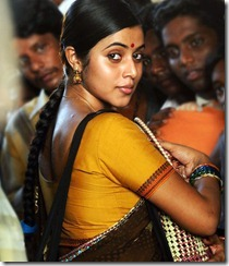 Actress-Poorna hot in saree pics