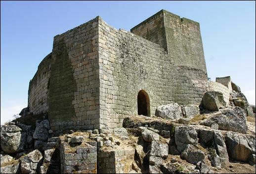 Marialva - Glória Ishizaka -  Castelo 1