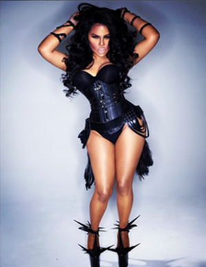 Lil-Kim-covers-Rolling-Out-1