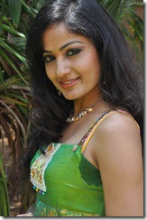 Madhavi_Latha_Exclusive_Pic