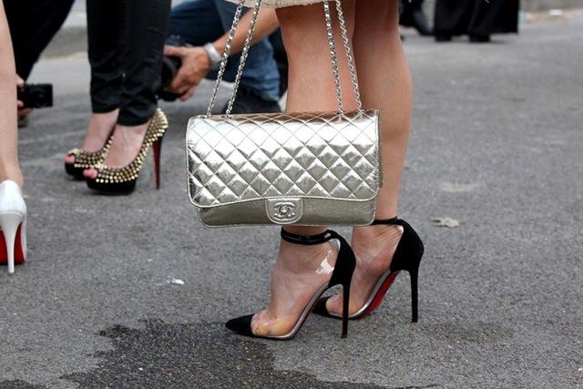 la-modella-mafia-model-off-duty-street-style-Chanel- -Christian-Louboutin-11