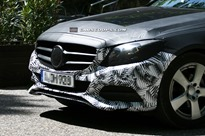 2015-Mercedes-C-Class-Saloon2