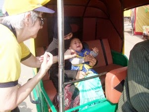 Vaccinating in TukTuk 2