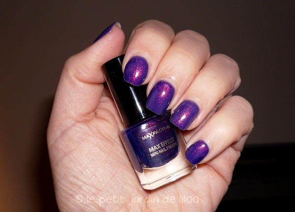 008-max-factor-max-effects-mini-nail-polish-fantasy-fire