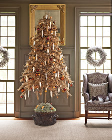 One year, Martha used a bronze tree in her dining room, with silver tinsel and vintage red ornaments.